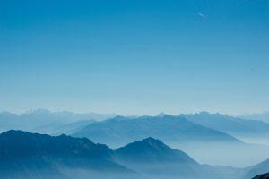 blue mountains at daytime